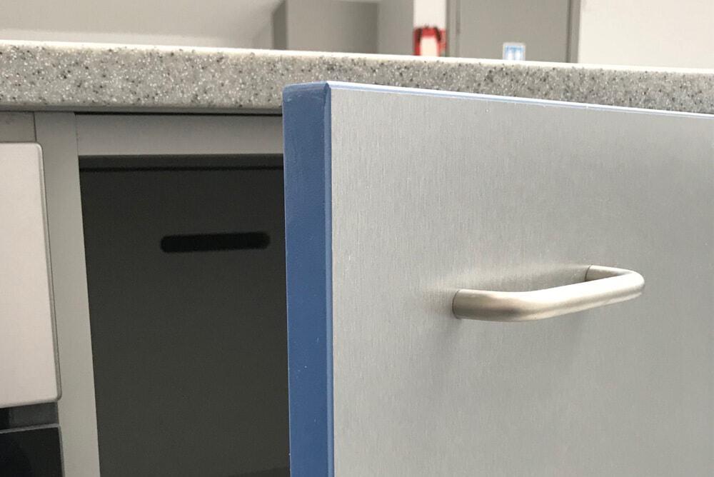 Titanium doors with contrast edge